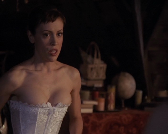 Alyssa Milano – Charmed season 4 (2001)