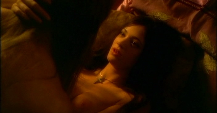 Asia Argento – Phantom of the opera (1998)