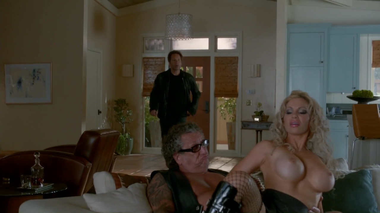 Diana Terranova, Kelen Coleman – Californication s07e12 (2014) HD 720p
