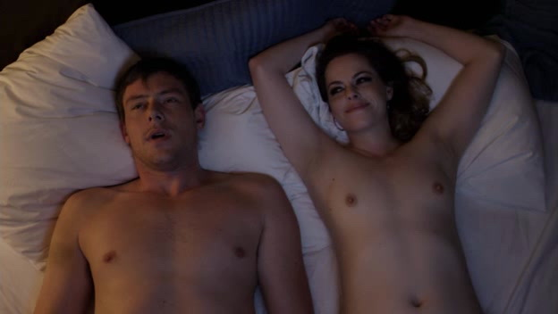 Emily Hampshire, Karine Vanasse – All the Wrong Reasons (2013)