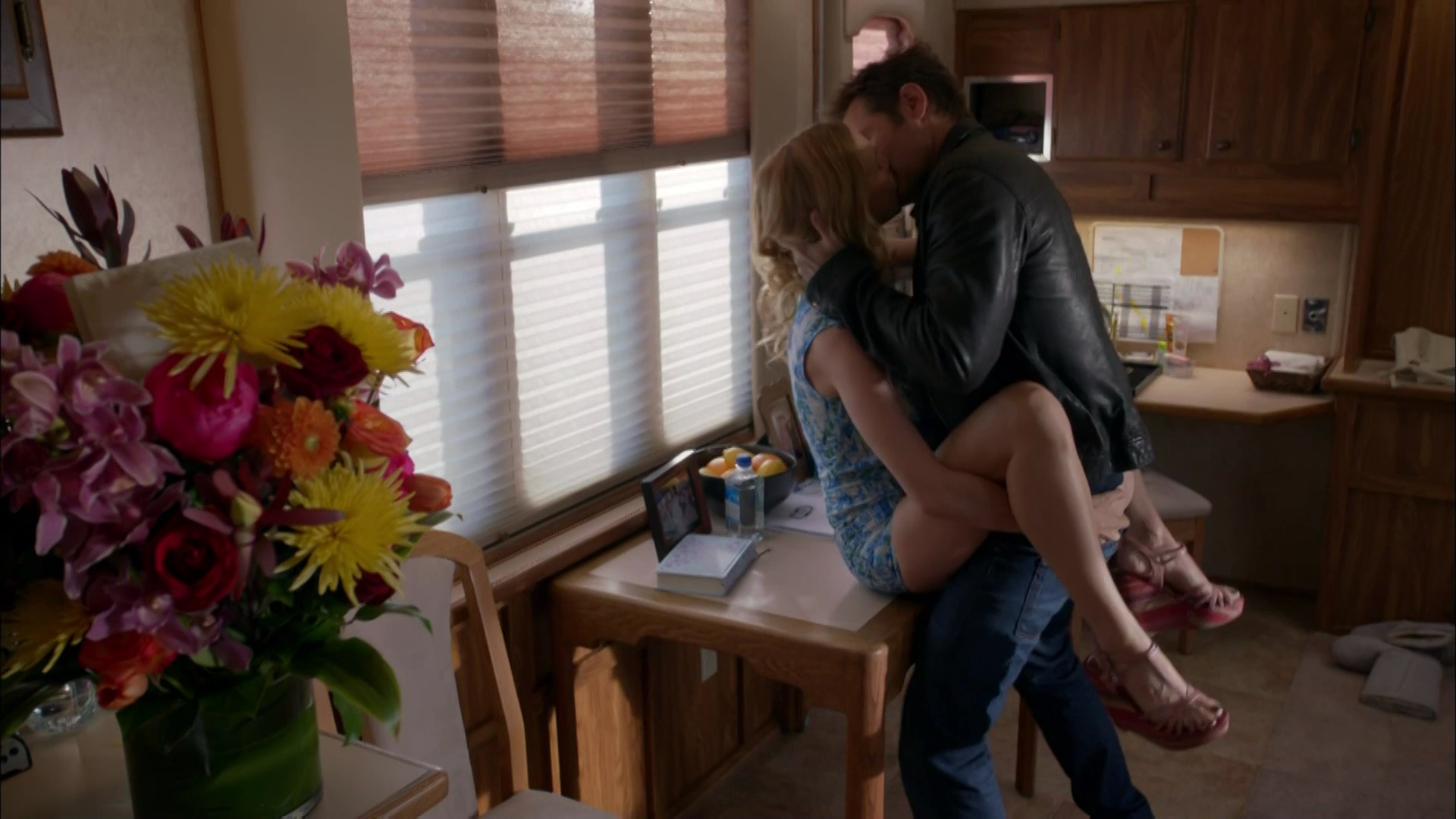 Heather Graham – Californication s07e08 (2014) HD 1080p
