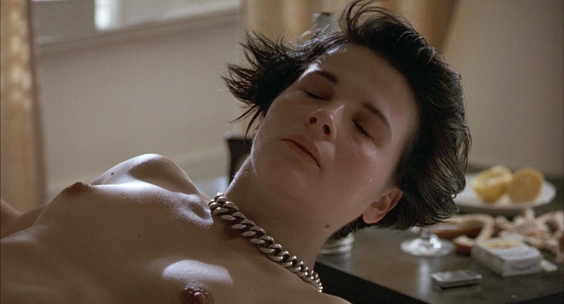 juliette binoche naked