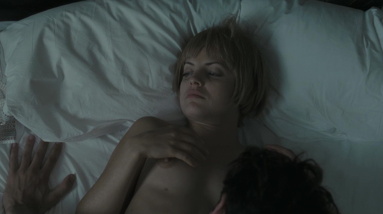 Mena suvari lesbian sex video