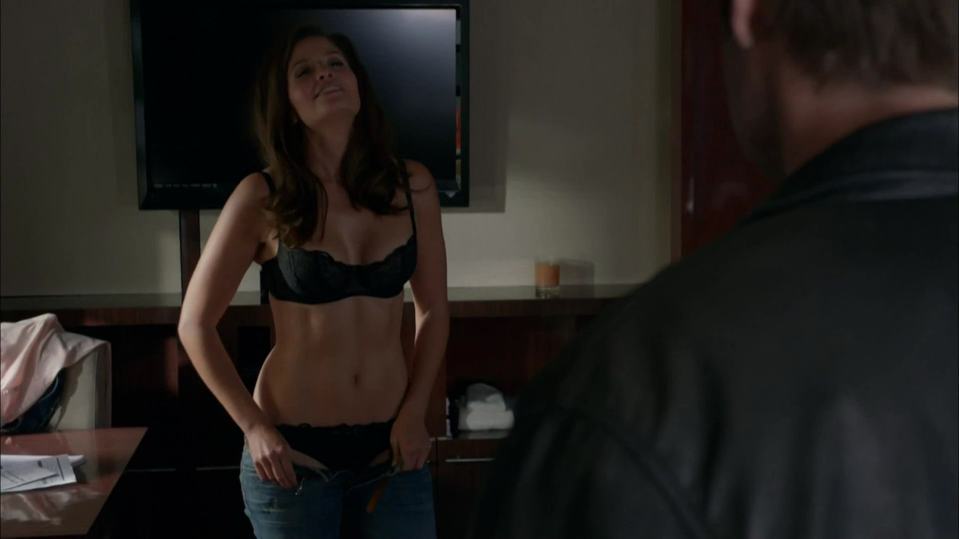 Mercedes Masohn – Californication s07e08 (2014) HD 1080p