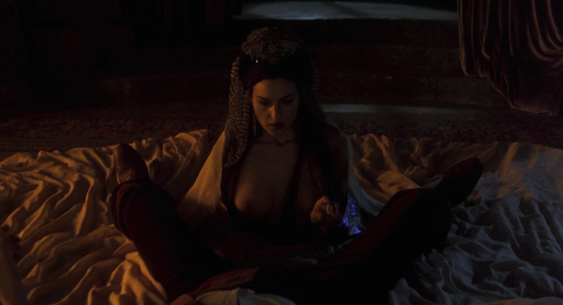 Bram stokers dracula nude