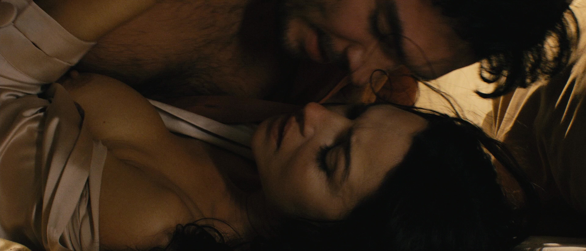 Monica Bellucci – Don't Look Back (2009) HD 1080p