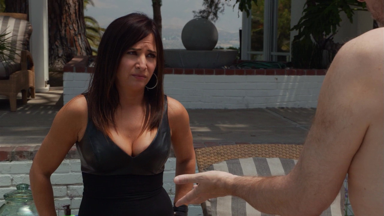 Pamela Adlon – Californication s07e07 (2014) HD 720p
