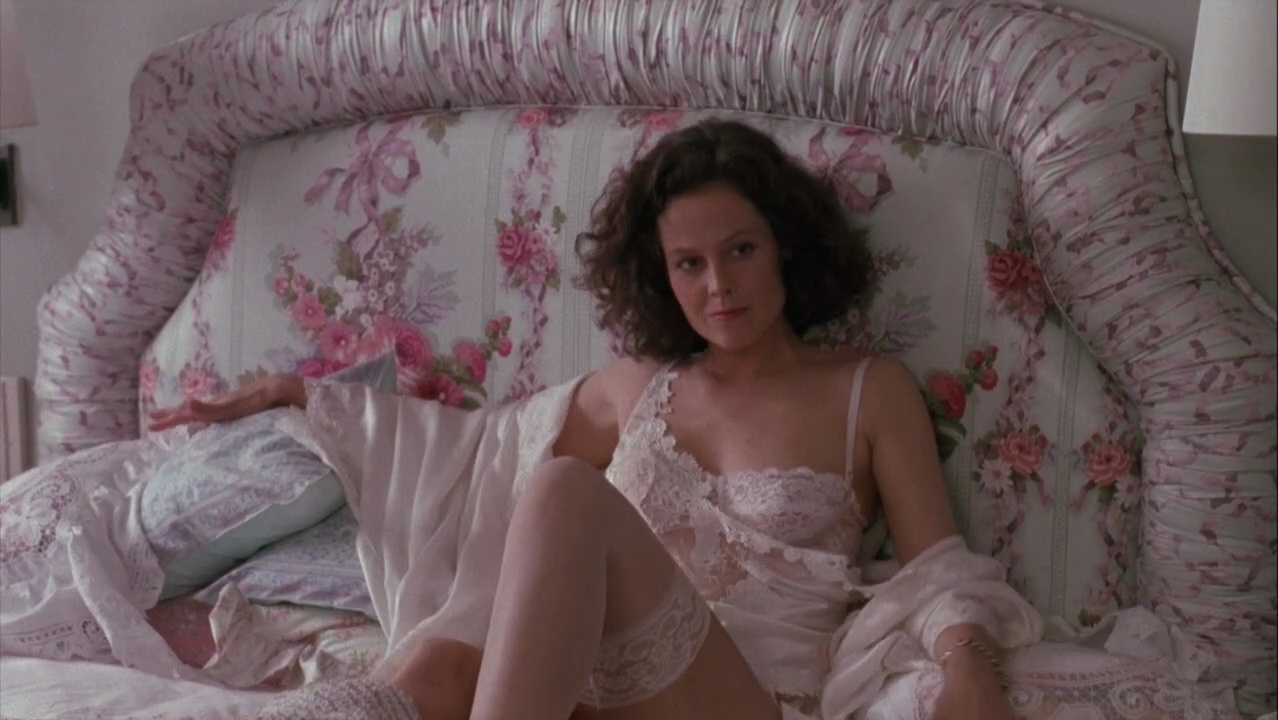 Watch nude photos to sigourney weaver
