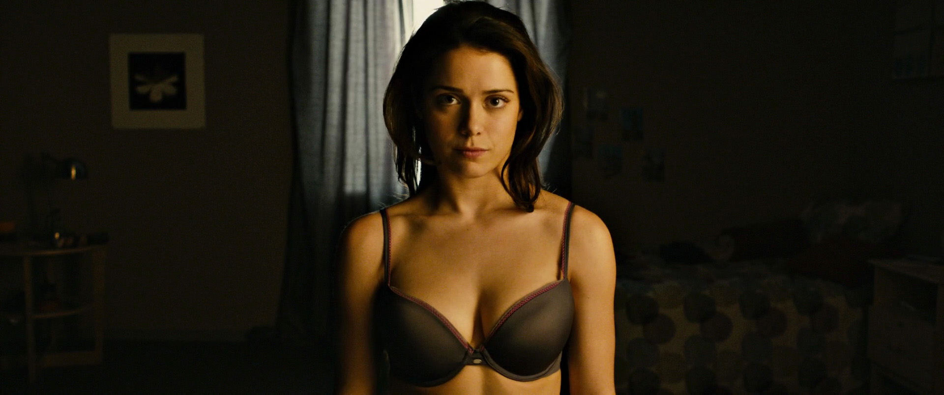Ali Cobrin Nude Pictures