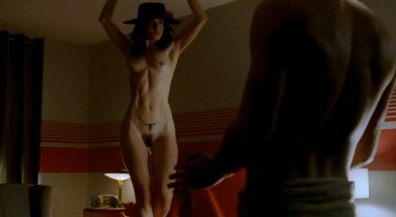 Nud american girl pic
