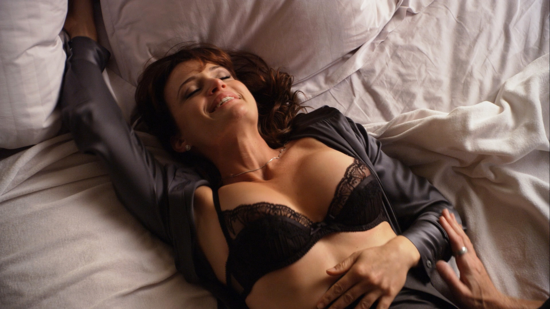 Carla Gugino, Addison Timlin – Californication s04e12 (2011) HD 1080p