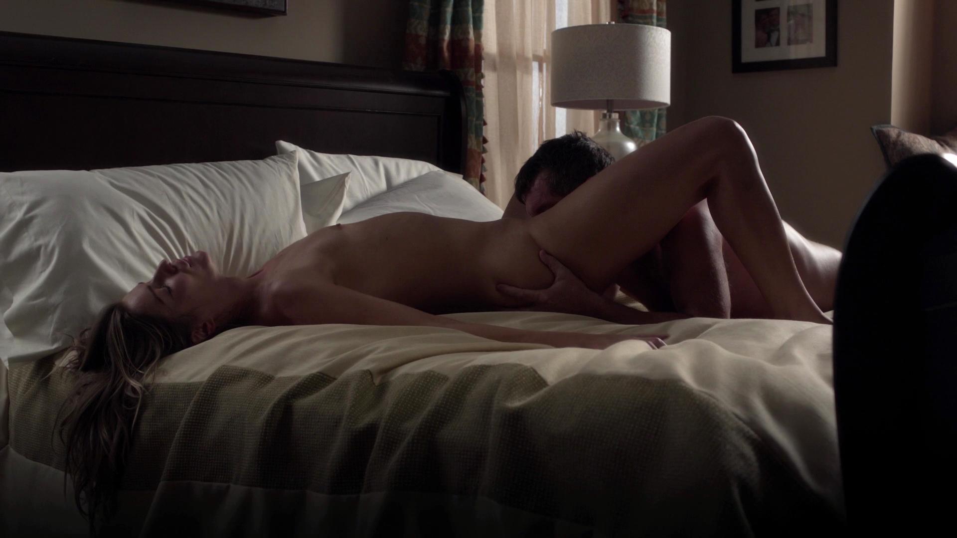 Sexszenen Wendy Michelle, Mädchen küssen sich mit Jungen mit heißen, nackten Fotos