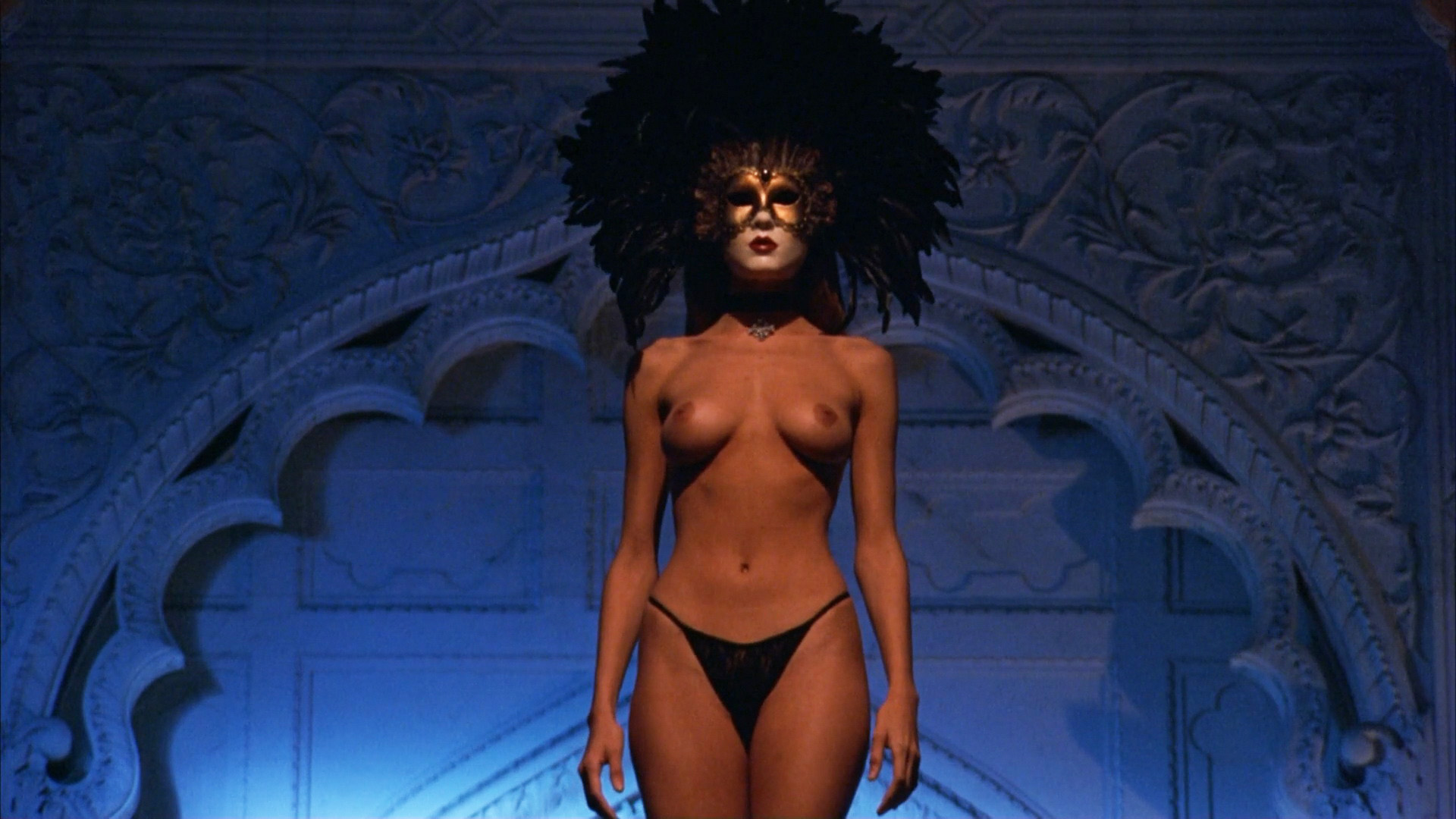 Eyes wide shut nude clip — img 4