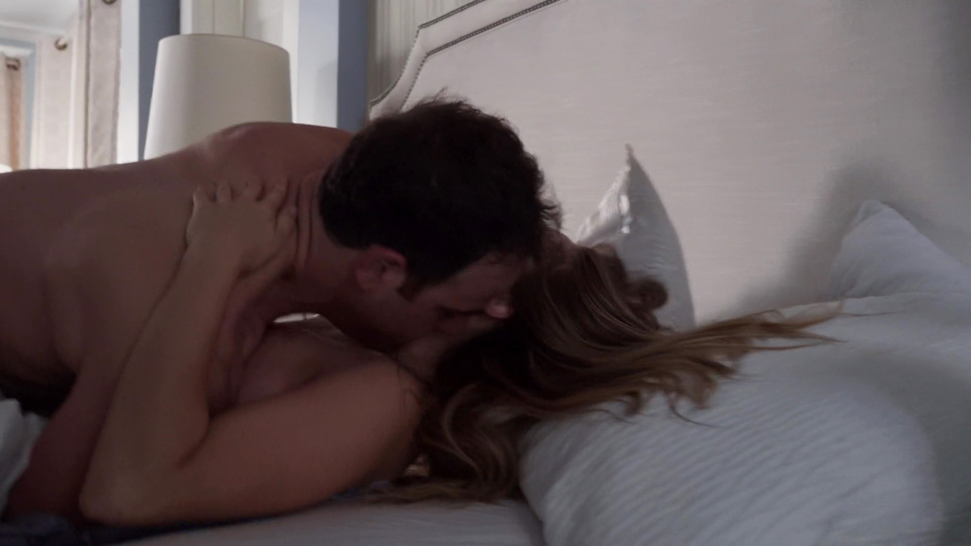 Julianna guill sex scene — photo 2