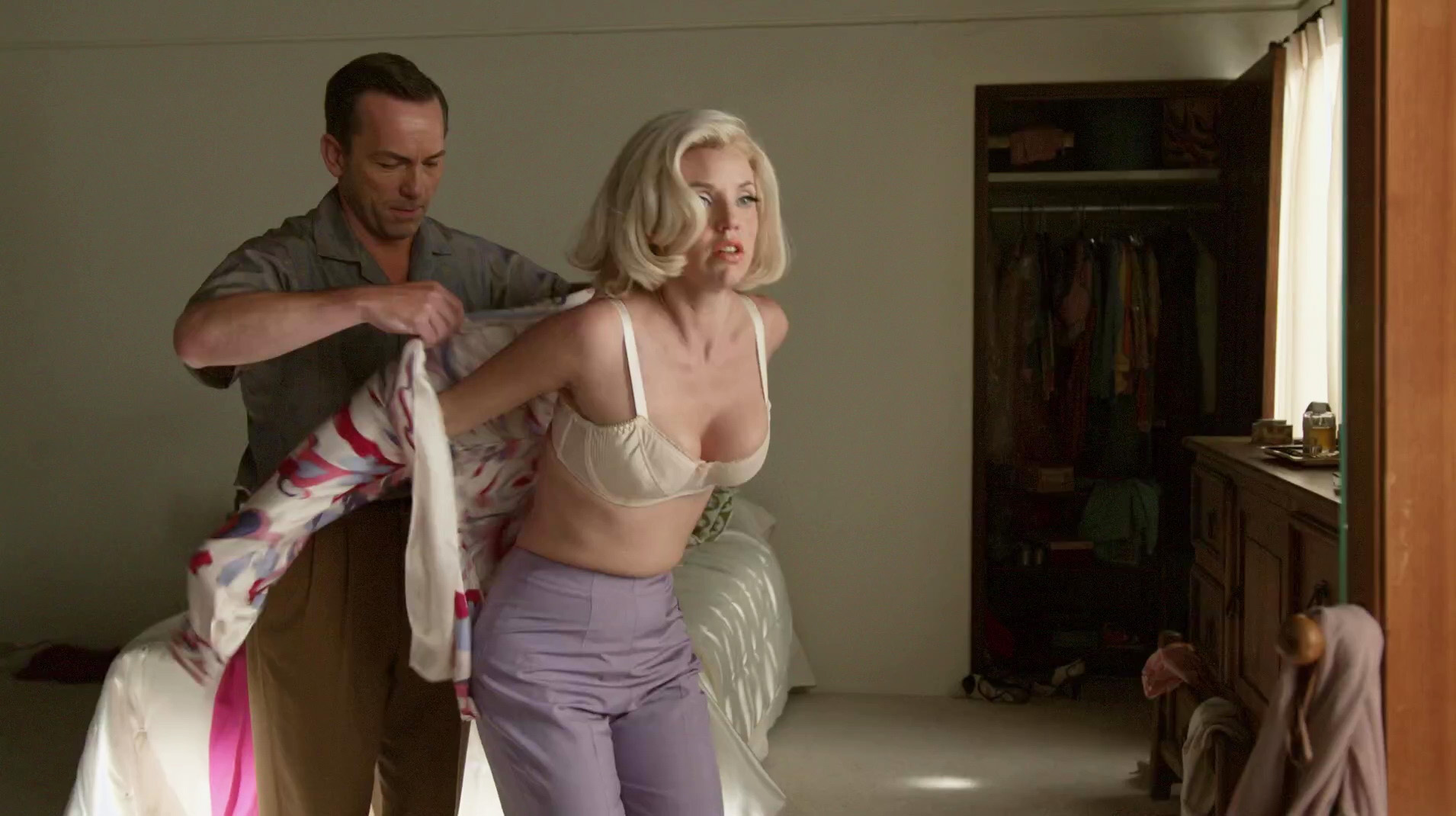Kelli Garner – The Secret Life of Marilyn Monroe s01e01 (2015) HD 1080p
