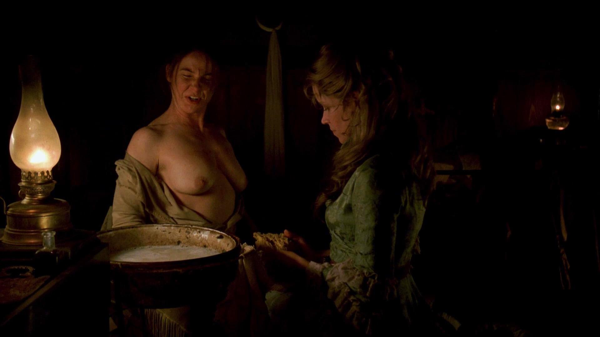 Hot girls nude