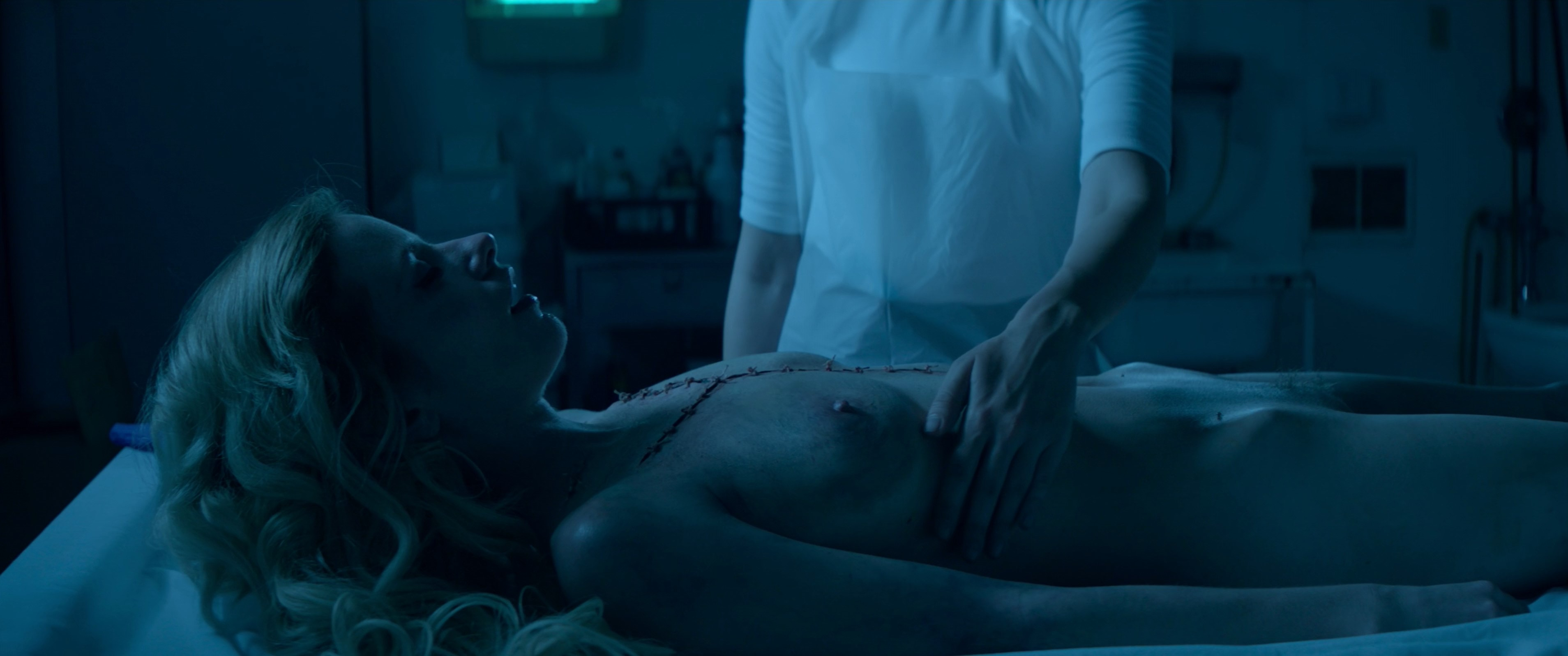Cody Renee Cameron, Jena Malone – The Neon Demon (2016) UHD 4K