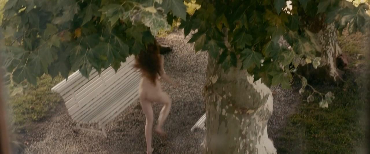 daisy broom nude