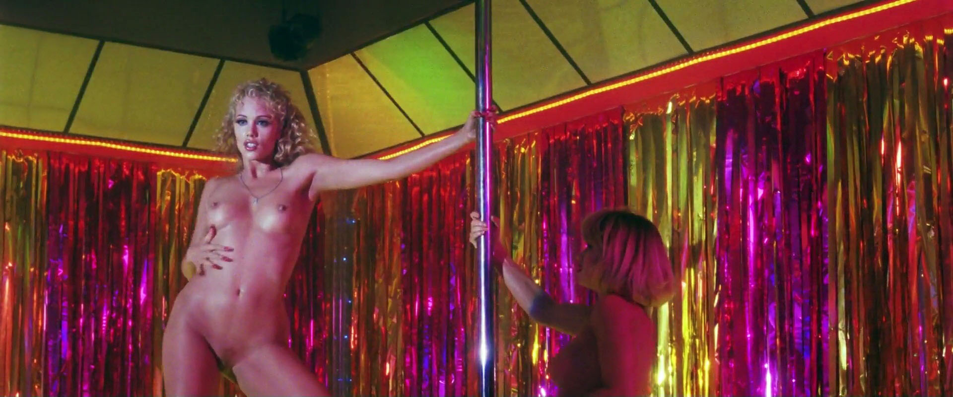 Elizabeth Berkley, Rena Riffel – Showgirls (1995) HD 1080p