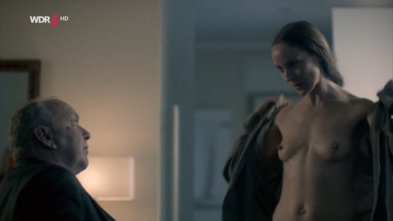 Spartacus women nude sex scenes