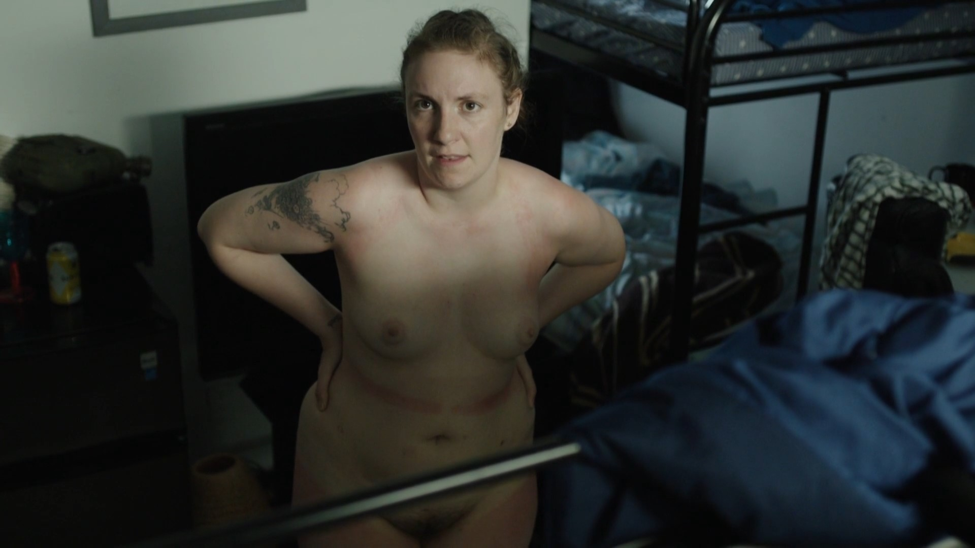 Lena Dunham Does Naked Girls' Spoof On Saturday Night Live'
