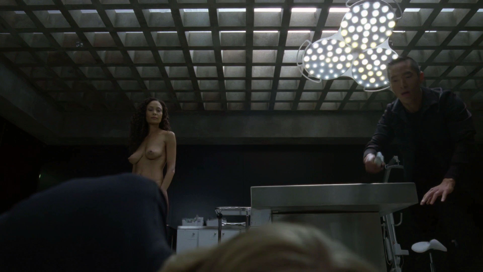 Thandie Newton – Westworld s01e08 (2016) HD 1080p