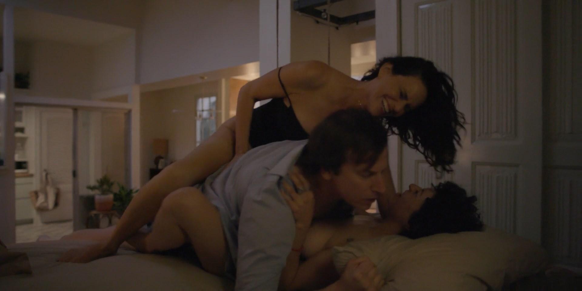 Amy Landecker, Alia Shawkat - Transparent s04e10 (2017) HD 1080p