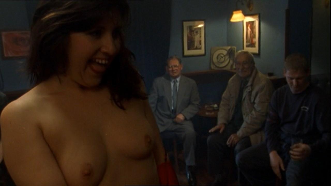 nude Lara clifton
