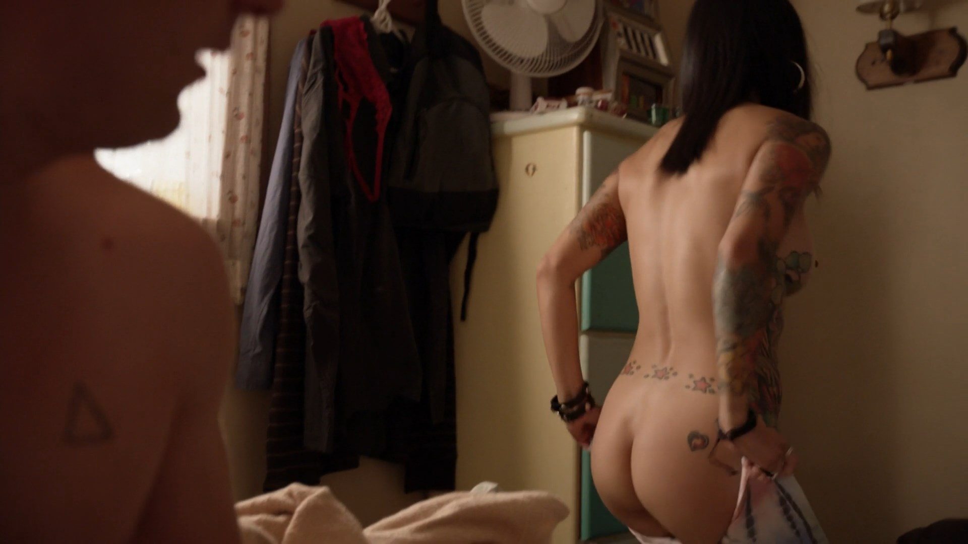 Levy Tran - Shameless s08e09 (2017) HD 1080p