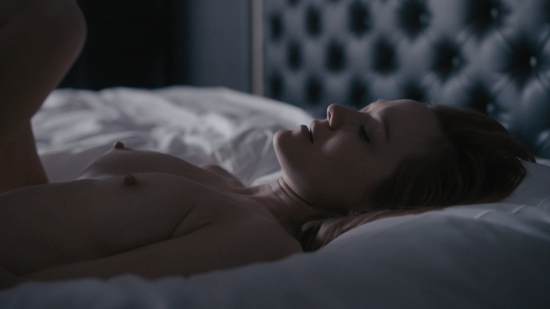 Louisa Krause, Anna Friel - The Girlfriend Experience s02e07 (2017) HD 1080p