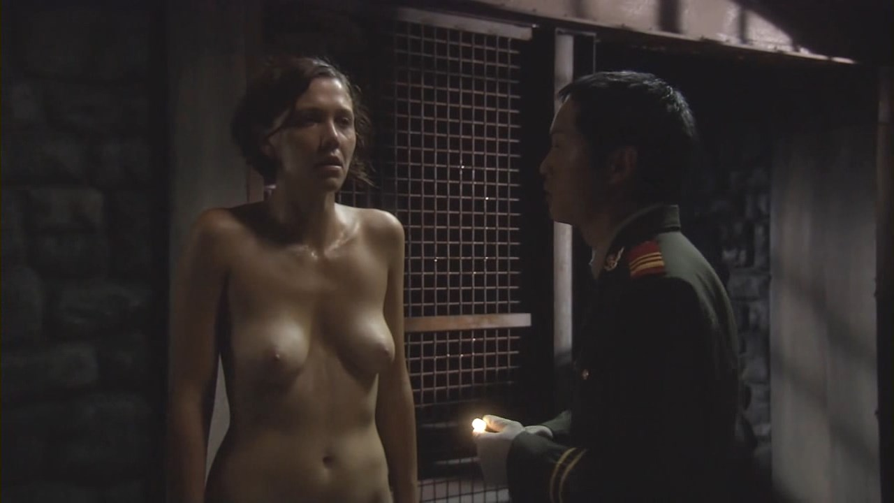 Maggie Gyllenhaal – Strip Search (2004) HD 720p