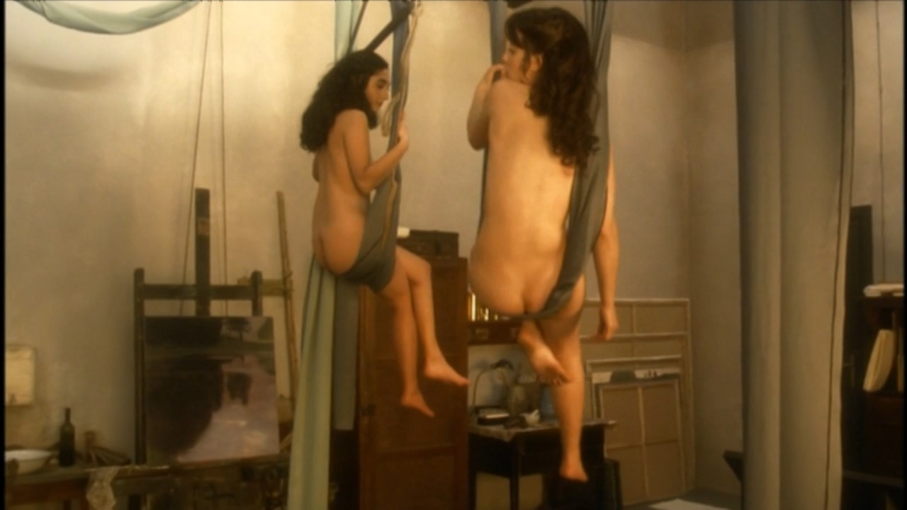And saffron burrows tit nude does