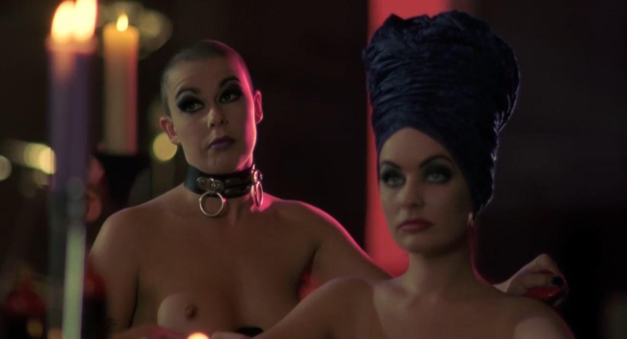 Free cleavage porn pics
