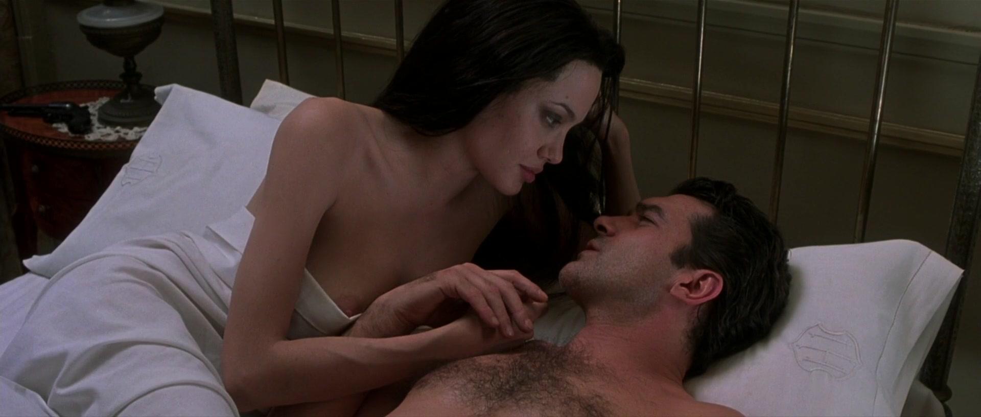 Angelina Jolie Sin Sex Scene watch online - angelina jolie – original sin (2001) hd 1080p