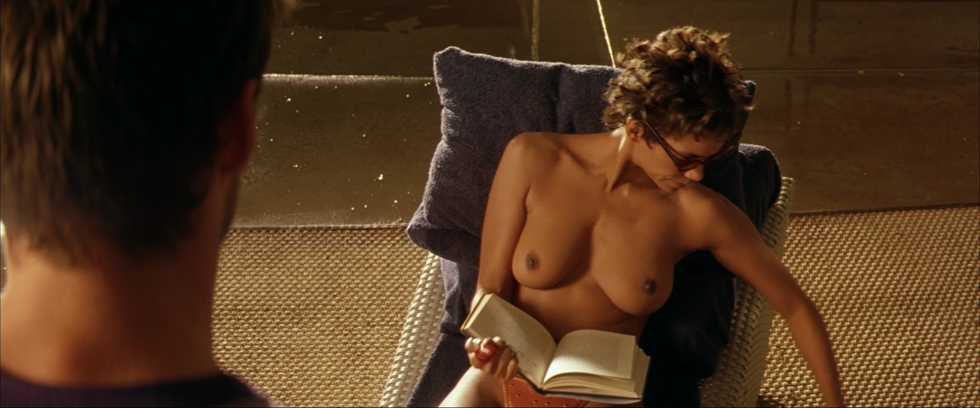halle berry nude perfect strangers