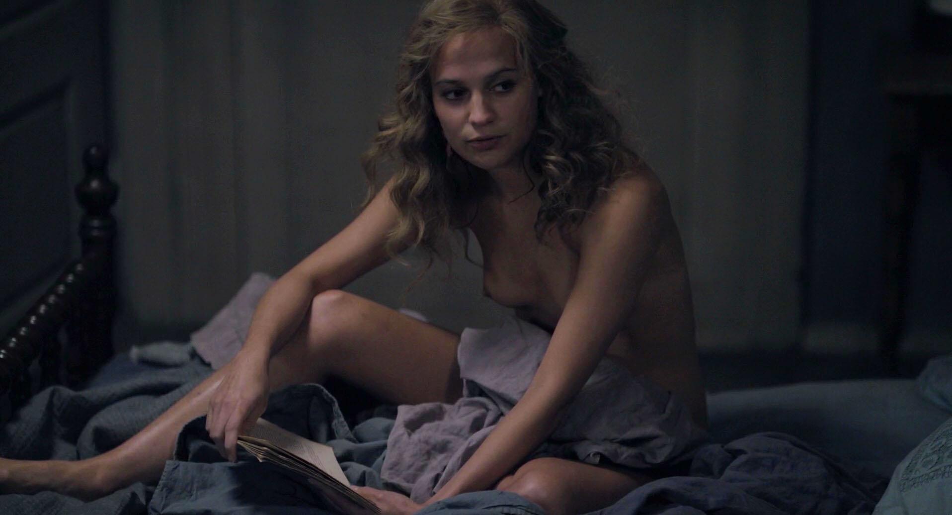 Rose  nackt Alicia Alicia Baker