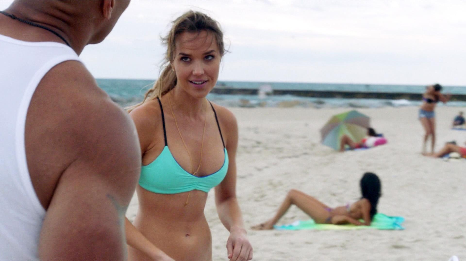 Joy Corrigan Naked watch online - arielle kebbel, joy corrigan, staci lyon