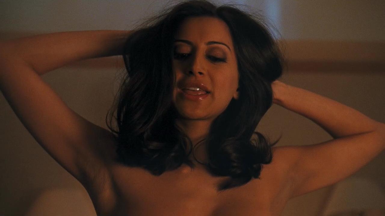 Dewulf nude noureen Noureen DeWulf