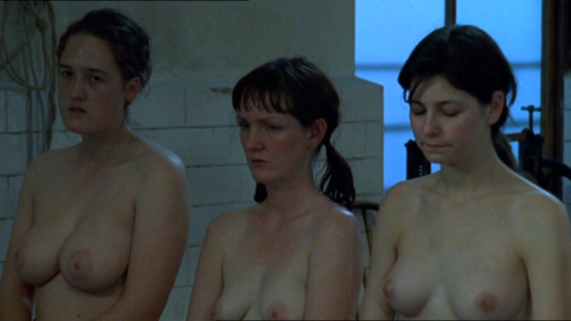 nora jane noon naked