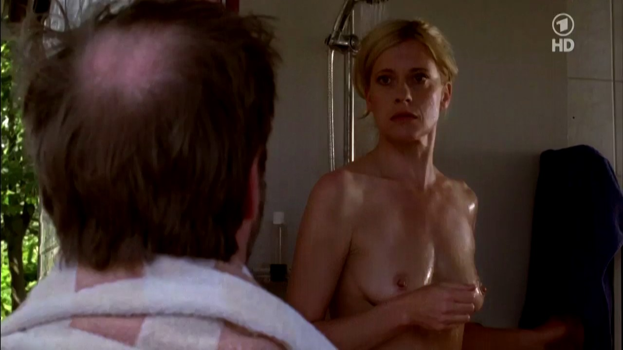 Margaret nackt Gomoll Mosquito (1994)
