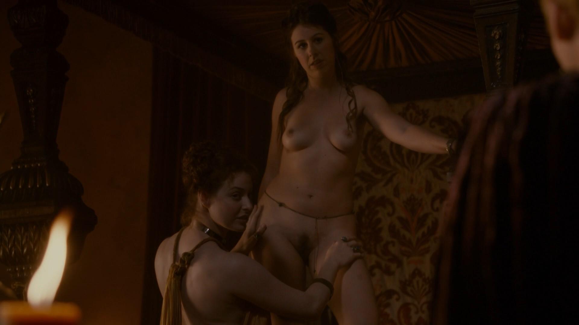 Mejsi Di u jednoj od scena seksa