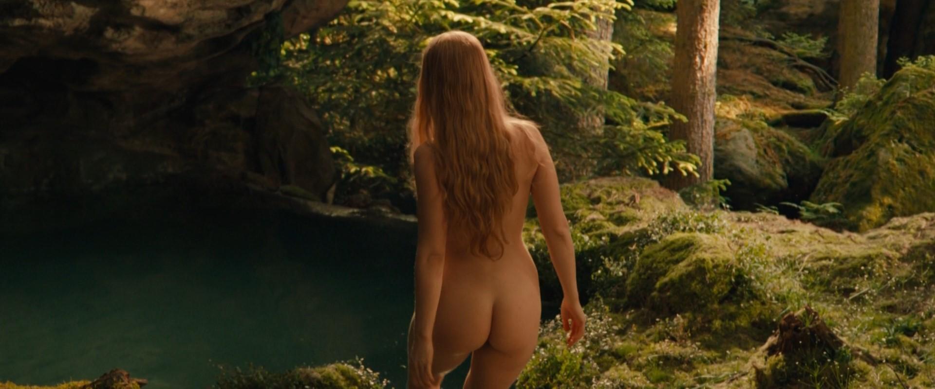 Britne Oldford Nude watch online - britne oldford – hunters s01e01 (2016) hd 1080p