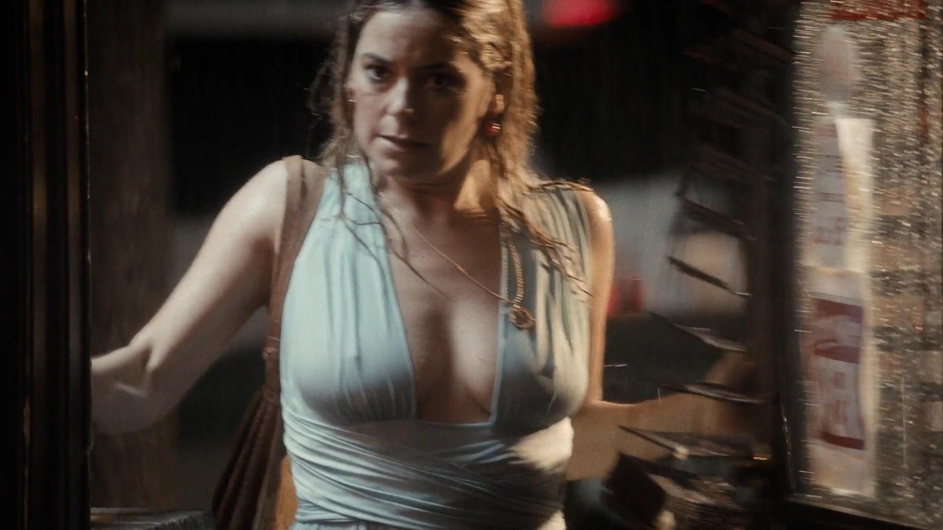 Nackt Danielle Burgess  The Sinner