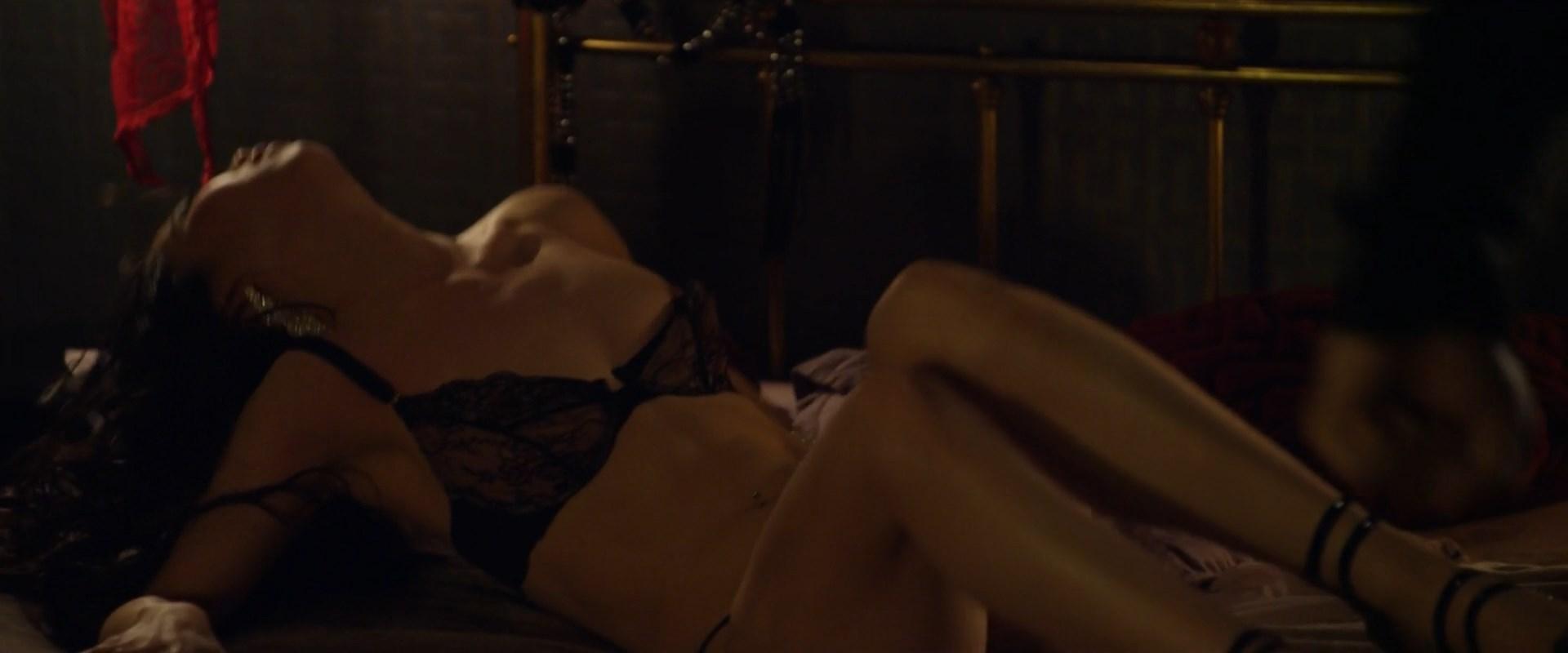 Boobs Linda Van Dyck Nude Pics