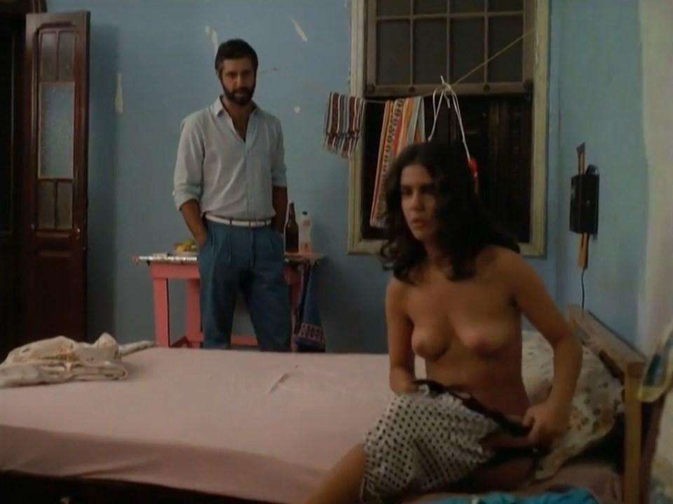 Mayara Magri  nackt