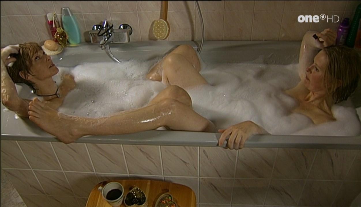 Nackt Allison Mackie  Allison Mack