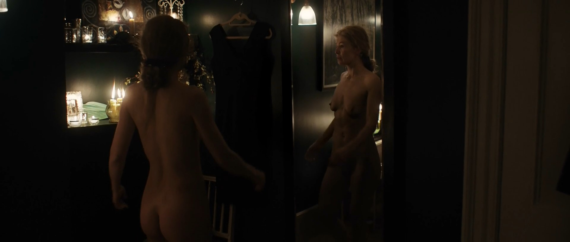 Naked rosamunde pike Rosamund Pike
