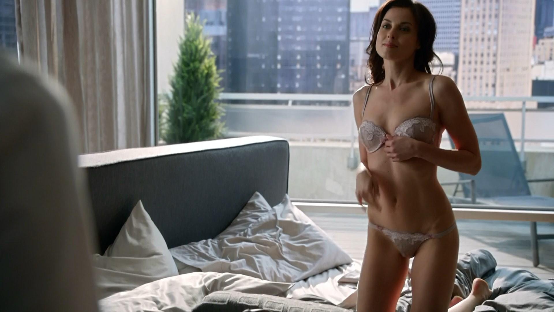 Heather Peace - Ultimate Force s03e01 shower Sex Scene