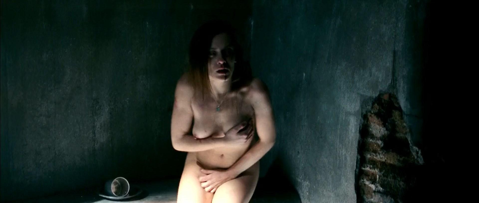 María León Nude
