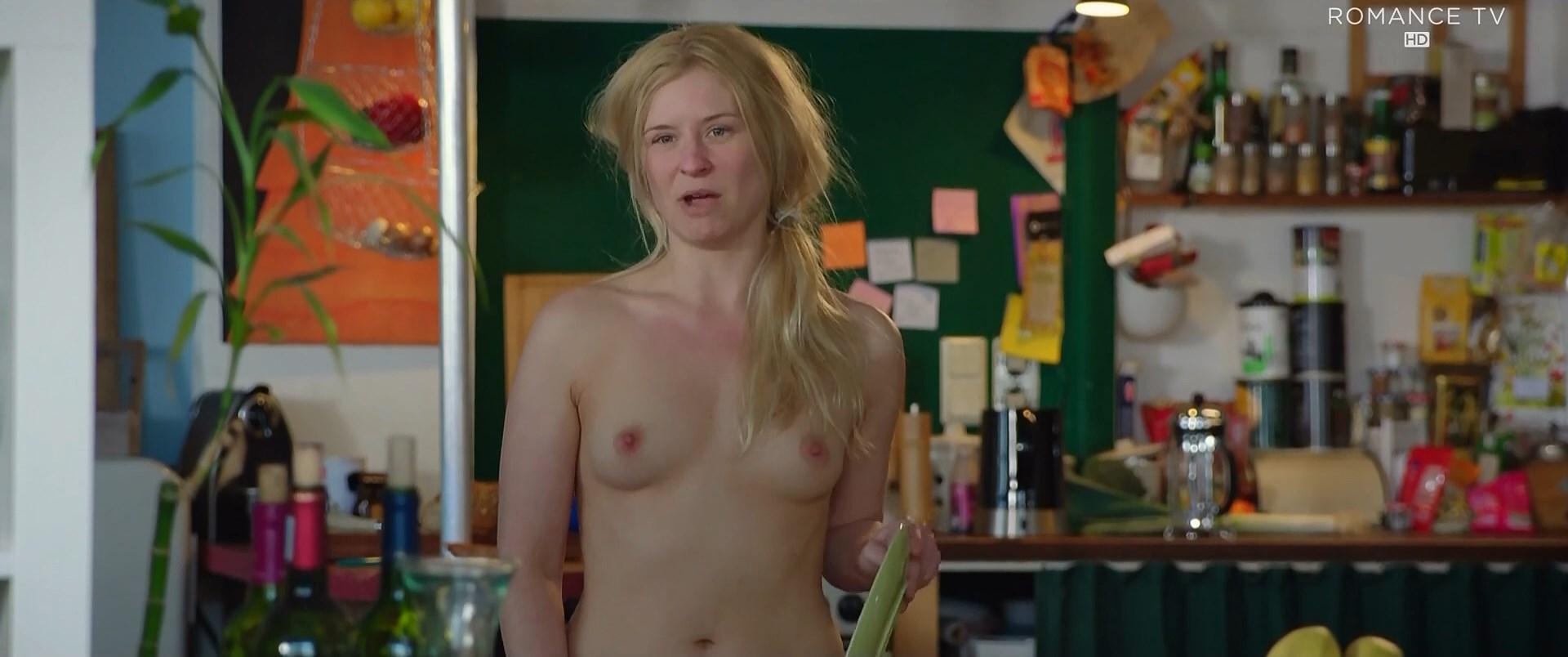 Ellis nackt Stephanie  Skinny Blonde